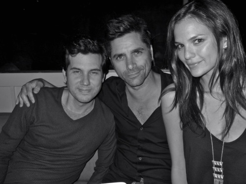 poplipps:  Friends, @ScottSartiano @JohnStamos and @AllieRizzo at Abe's @Interviewmag