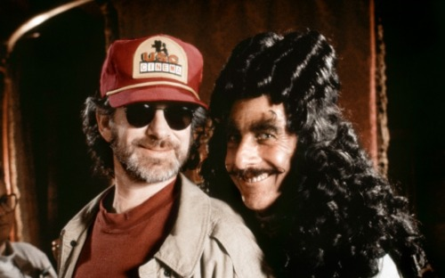 fuckyeahdirectors:  Steven Spielberg and Dustin Hoffman on-set of Hook (1991)