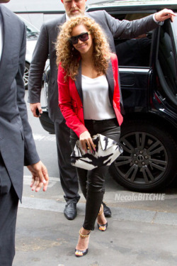 BEY GETS FUNKY: Bey channels her inner MJ with her latest get-up…check out her chic wardrobe topped off with quirky sandals courtesy Tom Ford…you like?