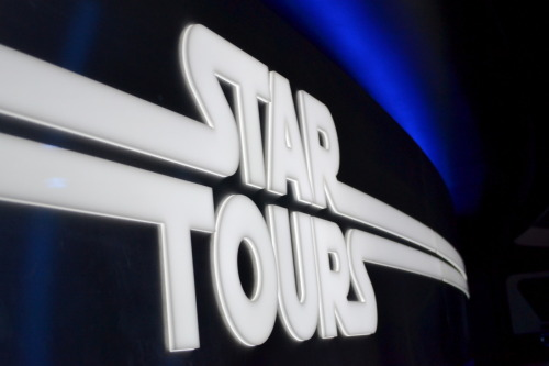 Star Tours: The Adventures Continues, Disneyland