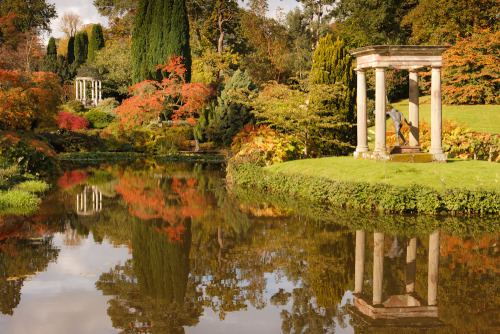 outdoorsanctuaries:  Cholmondeley Temple Garden in Autumn (by Joe Wainwright Photography)