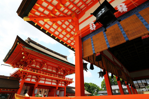 Fushimi Inari Shrine by Teruhide Tomori (busy…) on Flickr.