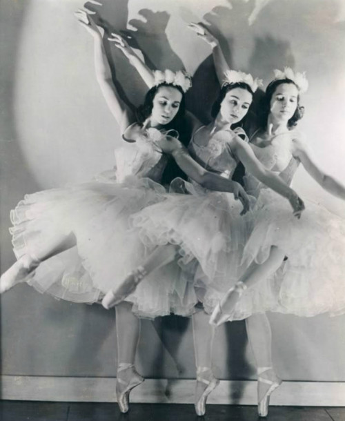 Ballet Russe de Monte Carlo performing The Nutcracker, 20 November 1940.
