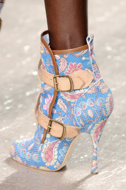 runway-shoes:  Vivienne Westwood Paris Spring 2011