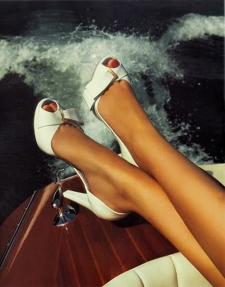 OMG (vintage) SHOES. Amen. And happy Monday, too. *Shoes! eeeeeeeeeeeeeeee!*