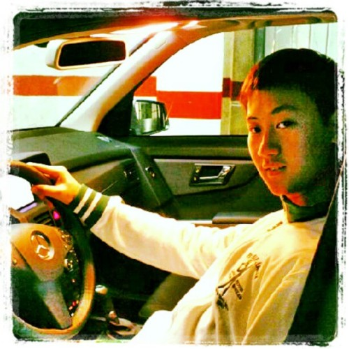 Me on my father's car. #Mercedes #mb #mercedesbenz #glk #mercedesglk (Tomada con Instagram)