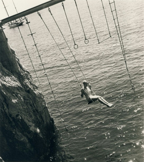 wonderfulambiguity:  Regina Relang, Woman on a swing, Antibes, 1938