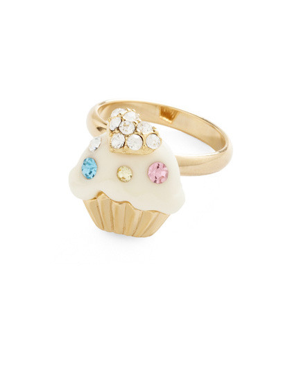 teenvogue:  From bedazzles cupcakes to girly bows, add a touch of whimsy to your everyday style with an adorably-shaped bauble. Check out more cute picks here »