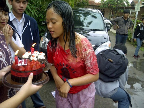 HAPPY BIRTHDAY OMI!!!!!! @fazarahimkeren