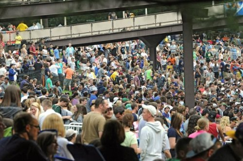 0609_dmb_spac  A sold out crowd attends a Dave Matthews Band concert at Saratoga Performing Arts Center June 8, 2012 in Saratoga Springs, N.Y.  (Lori Van Buren / Times Union) Albany Times Union http://on.fb.me/Kp76TU
