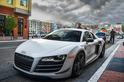 dressedtilnine:  calm before the storm Audi R8 GT