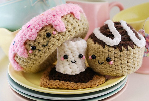 supertreble:  Sweet Tooth Trio!  Got a sweet tooth? Crochet yourself a Frosted Doughnut,S'more and a Cinnamon Bun with this one pattern! $7.00
