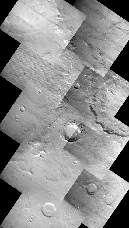 chevrons: Surface of Mars, photographed by Viking 1 Orbiter, 18th October 1979. Inadvertently reposted a Viking image this afternoon that had already appeared on ohyeahouterspace last October, so to make up for it: a composite of 9 photographs from the Vk1O High Resolution Mapping mission [f208s07-s15]. Image has been rotated about 30° clockwise for reasons of art; the / edges were originally |. Image credit: NASA. Composite: AgeOfDestruction.