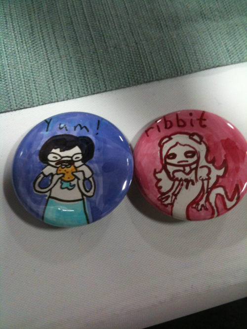 button commissions from anime next :3