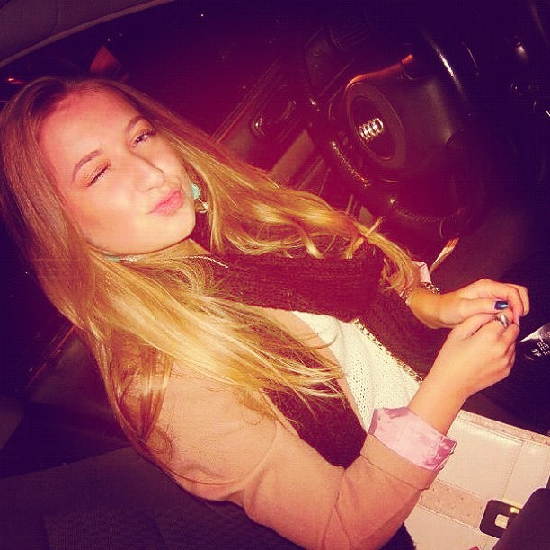 😘 #me #girl #lady #car #audi #blonde #kiss #bosnian #netherlands  (Taken with Instagram)