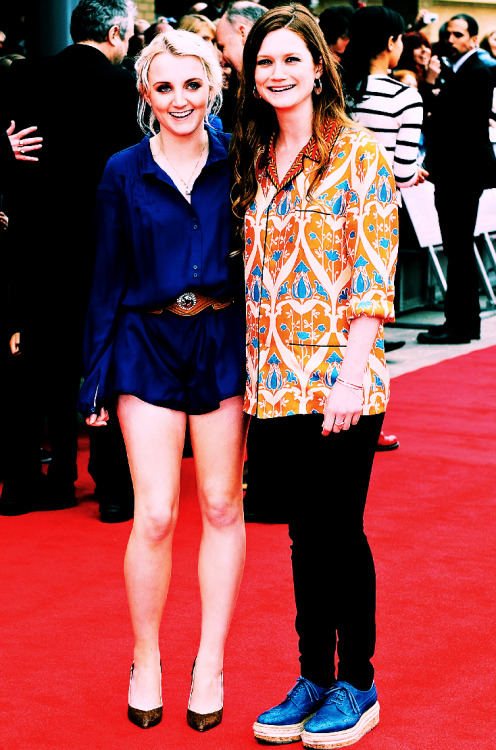 Evanna Lynch & Bonnie Wright.