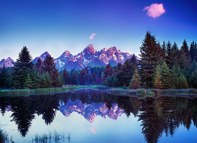 just-breezy:  Stray Clouds, Schwabacher's Landing Grand Teton National Park, Wyoming (by Edward Mendes)