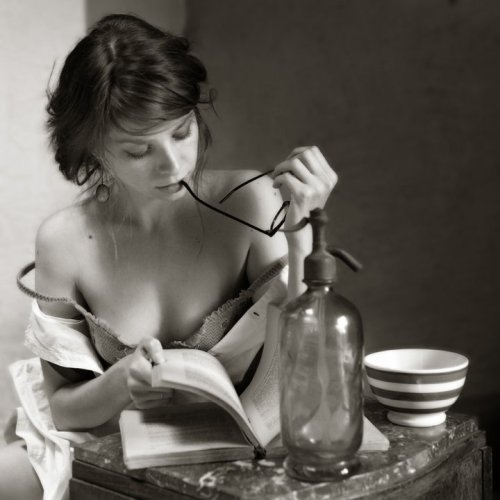 secretsecretboudoir:  I am so good at concocting sensual potions…..what should we enjoy this time, I wonder?