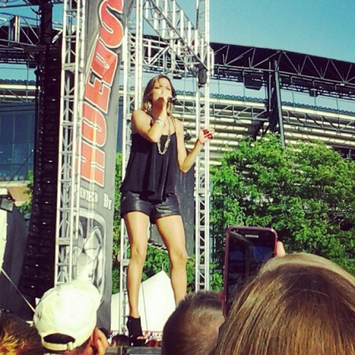 Jana Kramer from one tree hill! (Taken with Instagram)