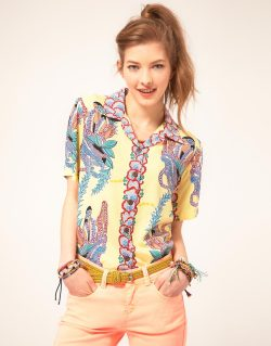 Paradise Found Lei Lady Hawaiian ShirtMore photos & another fashion brands: bit.ly/JgPfUK