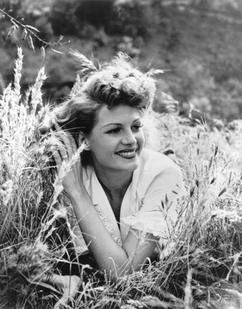 vintagesonia:  Rita Hayworth, 1950. Photographed by Philippe Halsman