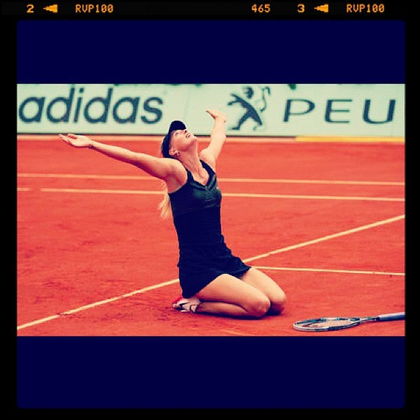 Yeheees!! Congrats #MariaSharapova!! Complete na Grand Slam Titles!! 🎾 #FrenchOpen (Taken with Instagram)