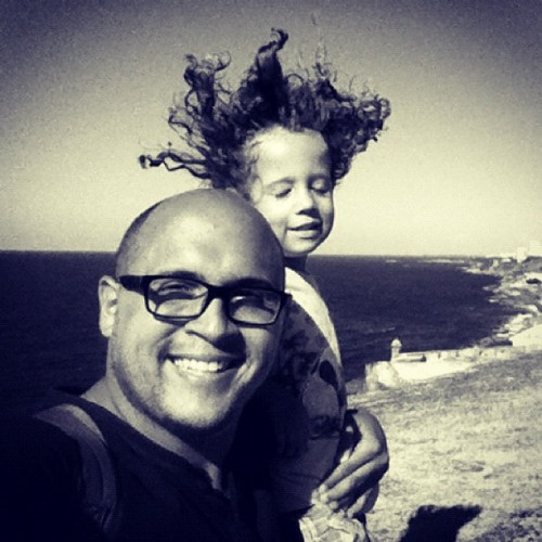 the wind #puertorico #instagram #iphonegraphy #kids #curlyhair #fun #myson #memory #playing #happiness #instagram_kids #fatherandson #oldsanjuan #morro #fort #wind  (Taken with Instagram at Castillo San Felipe Del Morro)
