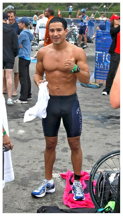 sperminherman:  Stretch to Fit (37 of 40) Mario Lopez.