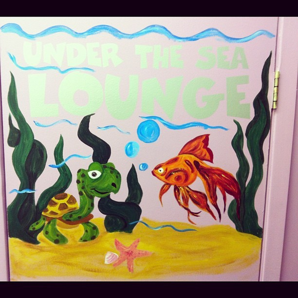 Painted today on a door #animal #paint #art #myart #acryllicpaint #turtle #fish #underthesea (Taken with Instagram)