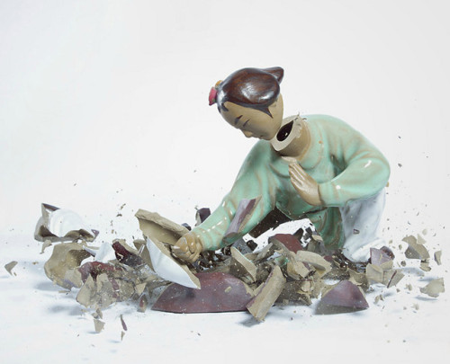 knowinng:  Martin Klimas has dropped Porcelain Fighter sculptures and then captured their shattering moment. The end result is like a Mortal Kombat scene, where the victorious Porcelain Fighter is cleary evident. Via