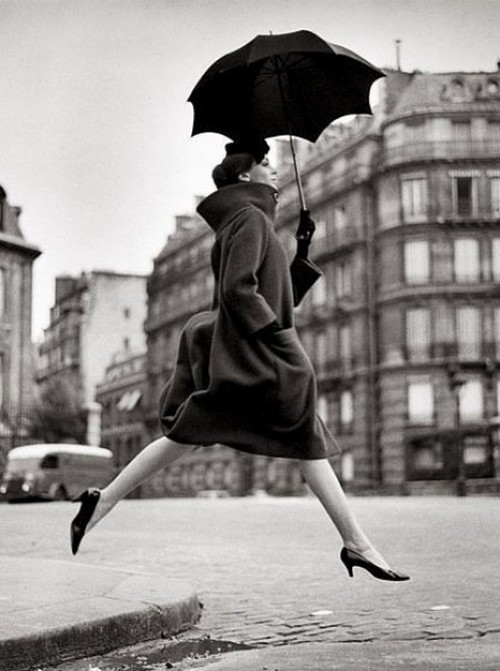 theniftyfifties:  Carmen Dell'Orefice wearing Pierre Cardin, Paris 1957. Photo by Richard Avedon.