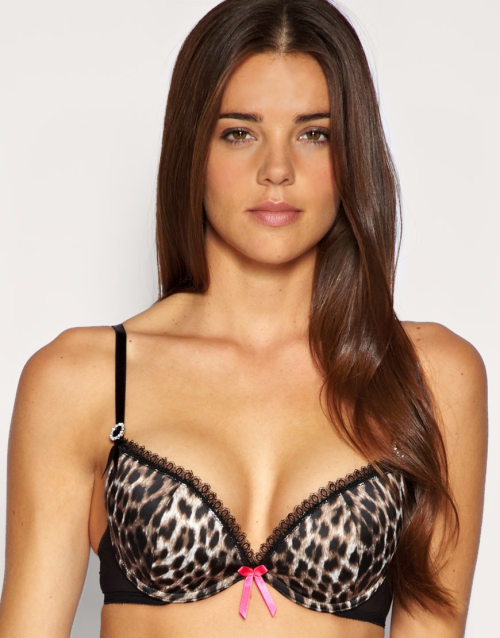 Ultimo A-D Animal Print Padded Plunge Bra with Removable GelMore photos & another fashion brands: bit.ly/JheRRh