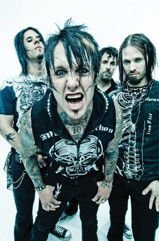 I am listening to Papa Roach                                      Check-in to               Papa Roach on GetGlue.com