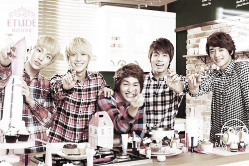 theirhelloisthelucifer:  SHINee for Etude House. My first upload on this blog! I hope it goes well :)