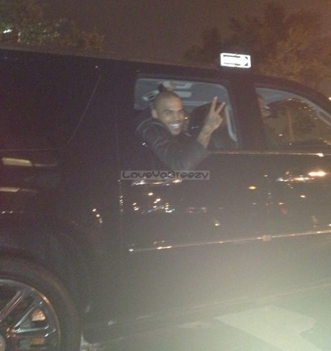 loveyabreezy:  chris leaving the club tonight