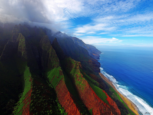 travelingcolors:  Napali Coast, Hawaii | USA (by paul bica)