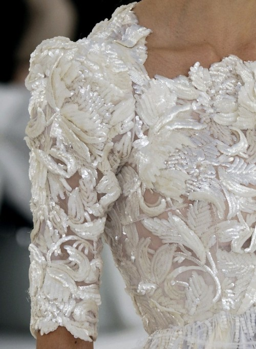 wink-smile-pout:  Chanel Couture Spring 06