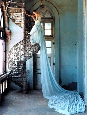 style-ou-mourir:  'Girl on the staircase' Vogue 2011