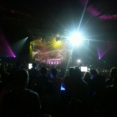 @TenishiaMusic @ #armadanight…  (Taken with Instagram)
