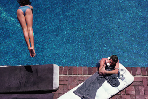 Herb Ritts, Richard Gere, Poolside, 1982.