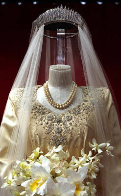 (via Royal Wedding - Princess Elizabeth's Wedding Jewelry - 1947 Royal Wedding)