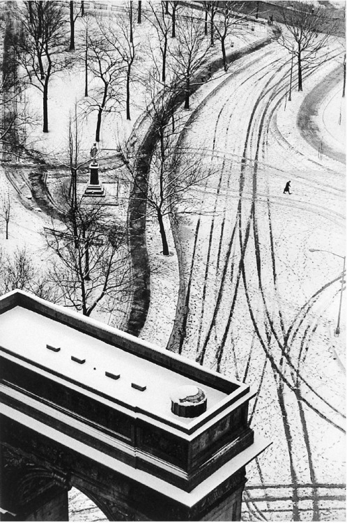 "André Kertész From ""Diary of light"", New York 1936-1979"