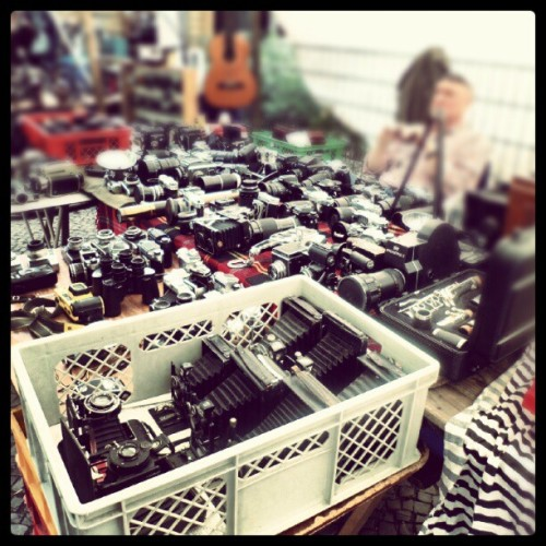Flea market at Boxhagener platz, in Berlin. I want all of these cameras!!……. #fleamarket #flohmarkt #Berlin #Germany #camera #vintage #vintagecamera #Kodak #Nikon #canon #Polaroid #lens #awesome  (Taken with Instagram at Flohmarkt Boxhagener Platz | So.)