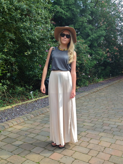 top- topshop skirt- zara necklace- topshop glasses- rayban hat- topshop shoes- allsaints try mixing bright colour with pain block colours