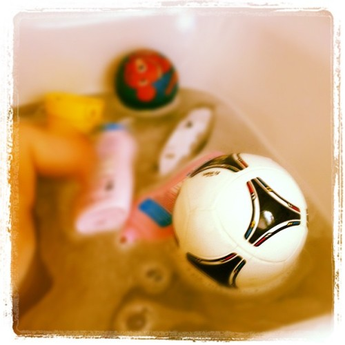 Football feeling in the bathtub (and around ;)) (Taken with Instagram)