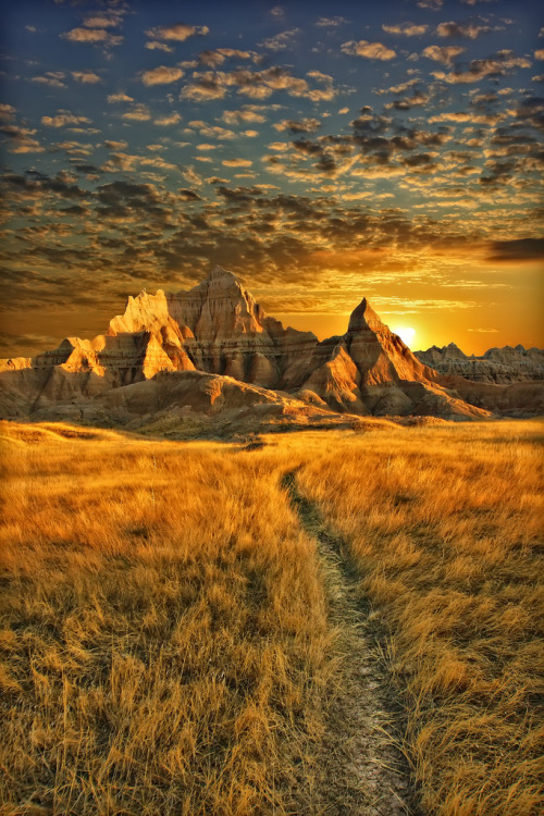 duilya:  Badlands National Park, South Dakota (by Dan Anderson.)