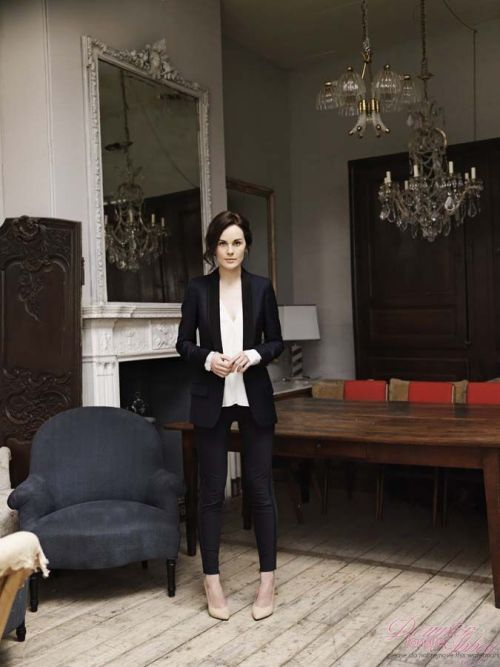 mostexerent:  Ms Michelle Dockery rocks the pose..