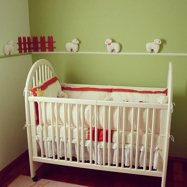 Adorable #green and creamy #white #nursery #decorated for your little #lamb to count his/her #sheep. #child #children #baby #bed #simple #decorating #ideas (Taken with Instagram)