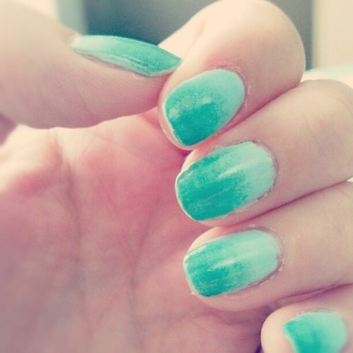 Mint to green. Gradient base=Mint Candy Apple By Esse. Tips=Mint Apple by Sinful Colors #Nashville #nail #nails #nailart #green #mint #sinfulcolors #esse #gradient (Taken with Instagram)