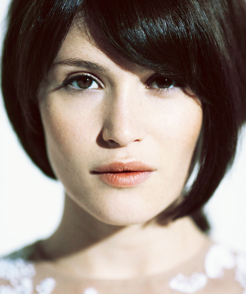slayground:  22 out of 100 photos of a shitload of people: Gemma Arterton